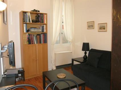 Nice House - 1BR on Rue des Ecouffes - apt #577 - Image 1 - Paris - rentals