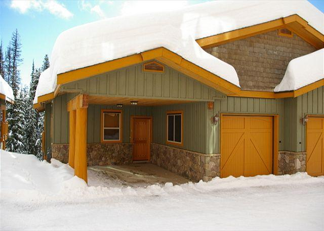 Silver Tip 6 Upper Snow Pines Location Sleeps 6 - Image 1 - Big White - rentals