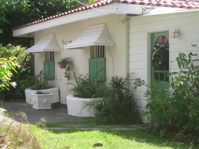 Carolita 1 Bed with Pool Nr Holetown - Image 1 - Holetown - rentals