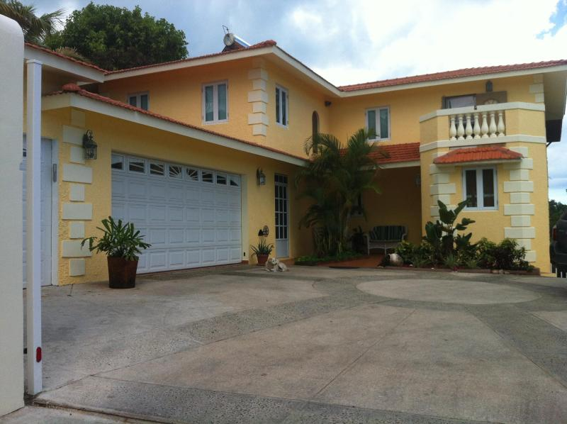 Front of house. - Affordable, family friendly home in paradise! - Rincon - rentals