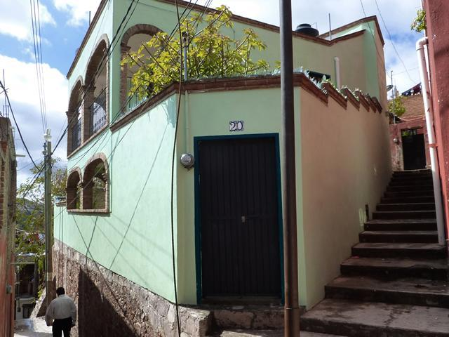 House viewed from the callejon - Colonial style home near Museo de las Momias - Guanajuato - rentals