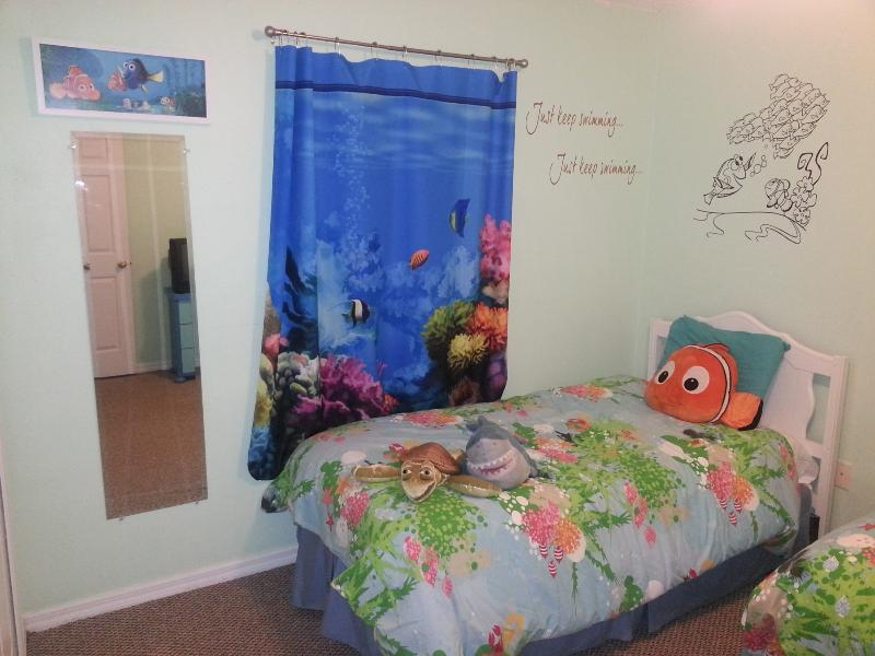 Finding Nemo Room - 2 Twins - Your Disney World Tropical Getaway that Kids Love - Clermont - rentals