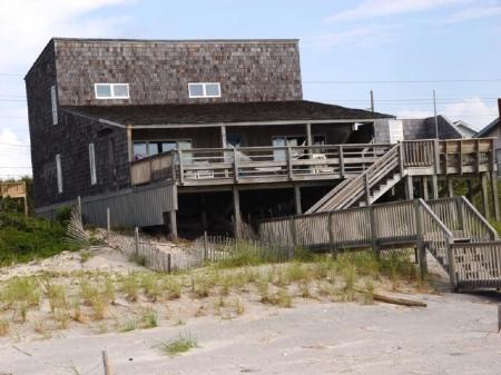 Exterior Oceanfront - Apex House - Emerald Isle - rentals