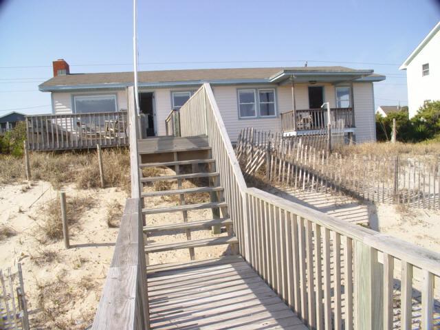 Exterior Oceanfront - Edgewater - Emerald Isle - rentals
