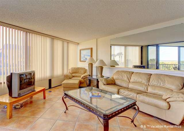 Enjoy the views from our spacious living room! - Captains Quarters 105, 2 elevators, pool, tennis, grill - Saint Augustine - rentals
