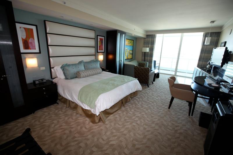 Fontainebleau Sorrento Oceanview JR SUITES & 1-BRS - Image 1 - Miami Beach - rentals