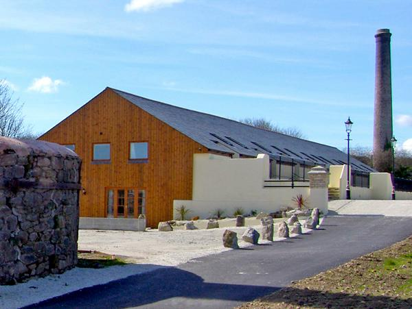 THE LINNEY, family friendly, country holiday cottage, with a garden in Roche, Ref 2403 - Image 1 - Roche - rentals