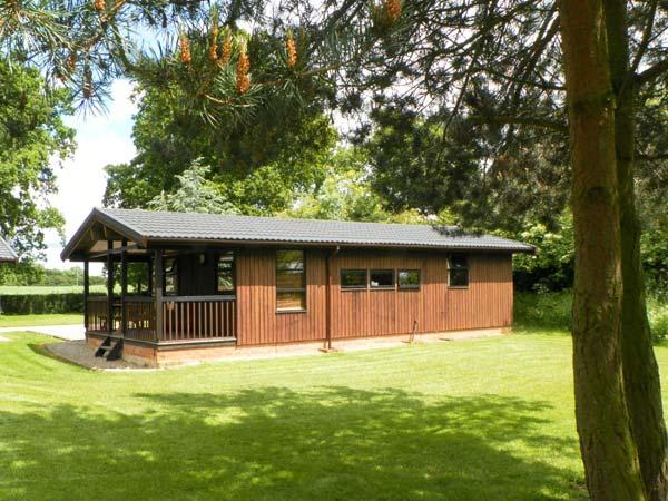 BEECH LODGE, pet friendly, country holiday cottage, with a garden in Masham, Ref 987 - Image 1 - Masham - rentals