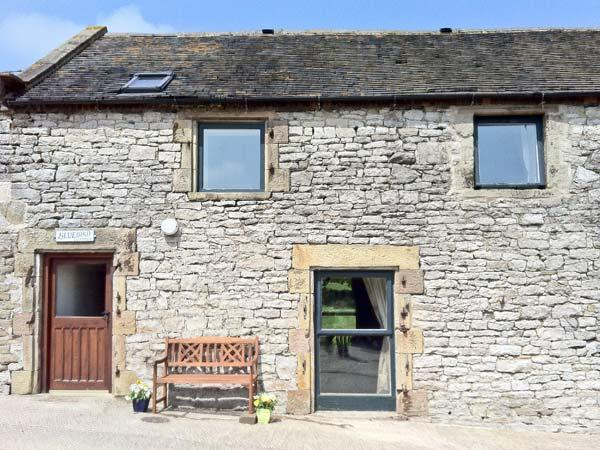 BLUEBIRD COTTAGE, family friendly, country holiday cottage, with a garden in Parwich, Ref 3517 - Image 1 - Parwich - rentals
