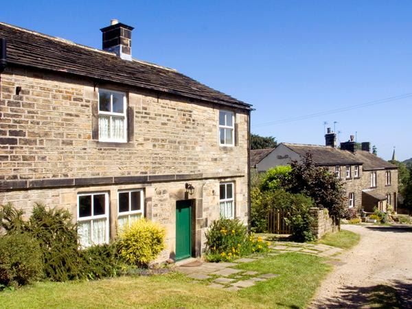 BRAY COTTAGE, family friendly, character holiday cottage, with pool in Hepworth, Ref 1883 - Image 1 - Hepworth - rentals