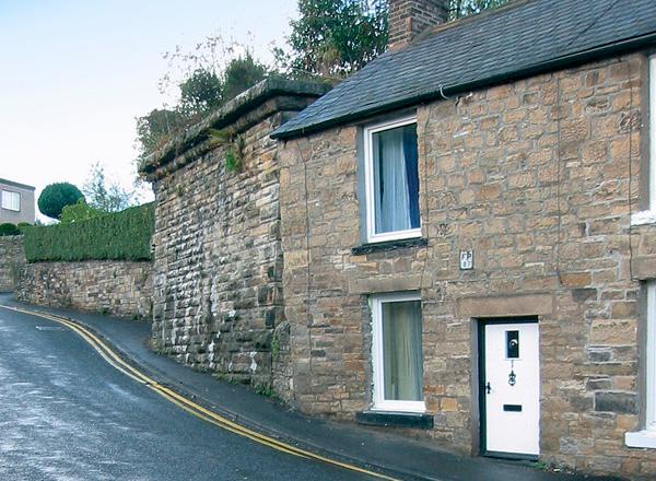 BRIDGE COTTAGE, pet friendly, character holiday cottage, with a garden in Haltwhistle, Ref 1203 - Image 1 - Haltwhistle - rentals