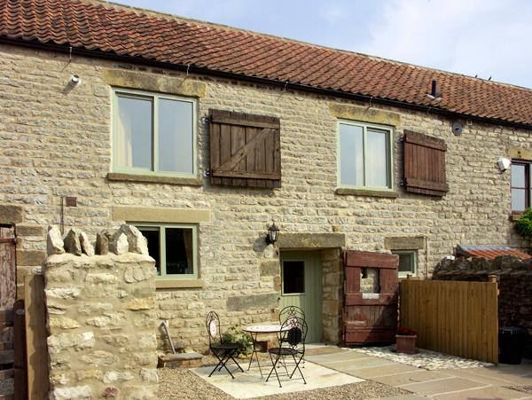 COW BYRE COTTAGE, character holiday cottage, with a garden in Wrelton, Ref 1577 - Image 1 - Wrelton - rentals