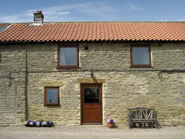 HARVEST COTTAGE, pet friendly, character holiday cottage with WiFi, with a garden in Levisham, Ref 1135 - Image 1 - Levisham - rentals