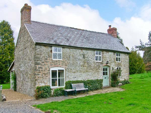 HILLGATE HOUSE, pet-friendly, character holiday cottage, with a garden in Hemford, Ref 1661 - Image 1 - Shrewsbury - rentals
