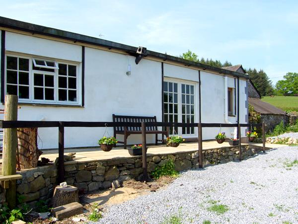 LLAETH COTTAGE, pet friendly, character holiday cottage, with a garden in Golden Grove, Ref 2459 - Image 1 - Golden Grove - rentals