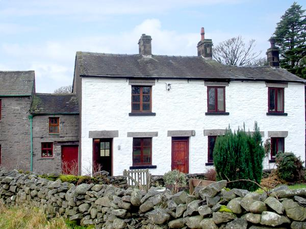 LOW GREEN COTTAGE, family friendly, country holiday cottage, with a garden in Middleton Near Kirkby Lonsdale, Ref 1628 - Image 1 - Middleton - rentals