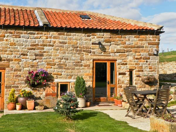 SWALLOW COTTAGE, pet friendly, character holiday cottage, with a garden in Staintondale, Ref 1196 - Image 1 - Staintondale - rentals