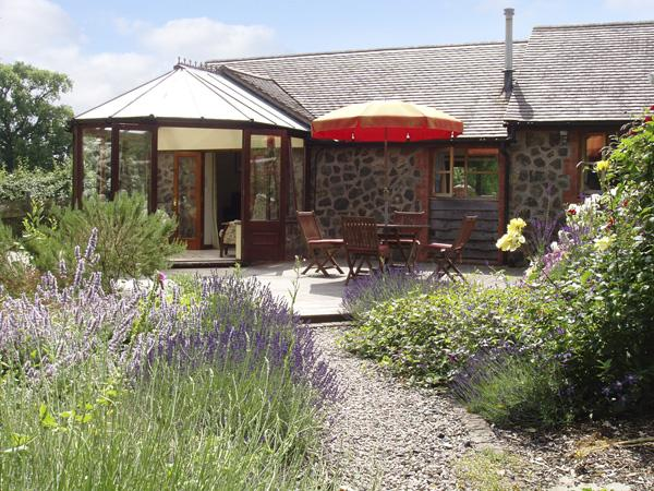RICKYARD COTTAGE, country holiday cottage, with a garden in Castlemorton, Ref 1767 - Image 1 - Castlemorton - rentals