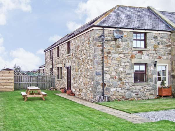 SEA BREEZE COTTAGE, with a garden in Berwick-Upon-Tweed, Ref 2840 - Image 1 - Northumberland - rentals