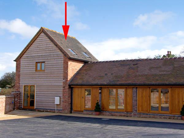 THE BULL BOX, pet friendly, character holiday cottage, with a garden in Bridgnorth, Ref 2850 - Image 1 - Bridgnorth - rentals