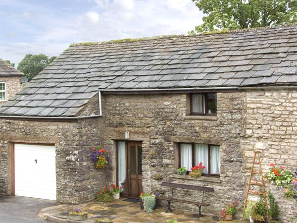 OLD COTTAGE, pet friendly, country holiday cottage, with a garden in Nateby, Ref 3607 - Image 1 - Nateby - rentals