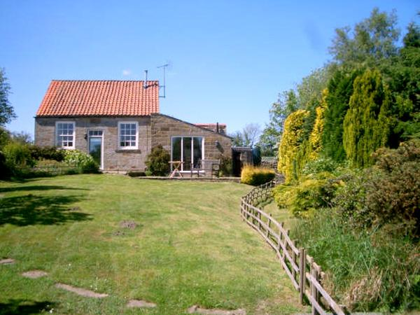 THE OLD CHAPEL, character holiday cottage, with WiFi and garden in Fadmoor, Ref 2363 - Image 1 - Fadmoor - rentals
