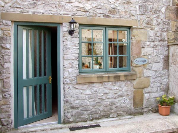 THE SHAVINGS, pet friendly, country holiday cottage, with a garden in Buxton, Ref 2942 - Image 1 - Buxton - rentals