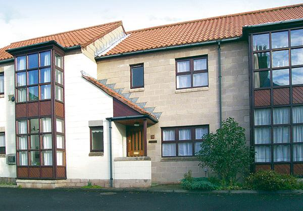 TIGH NA RUDH, family friendly, with a garden in Berwick-Upon-Tweed, Ref 891 - Image 1 - Northumberland - rentals