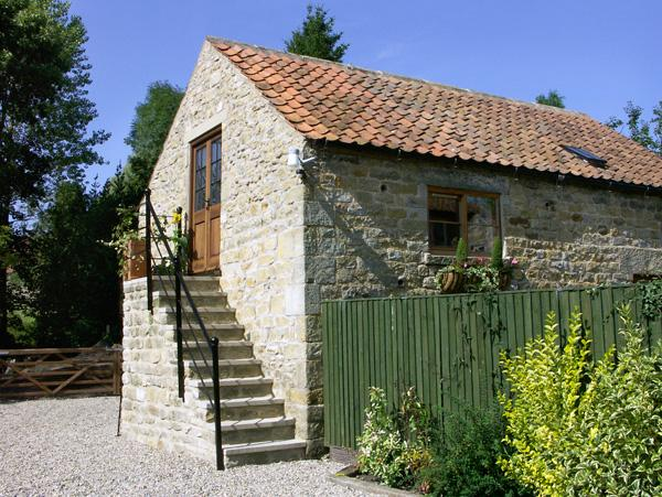 THE HAYLOFT, luxury holiday cottage, with a garden in Lastingham, Ref 1571 - Image 1 - Lastingham - rentals
