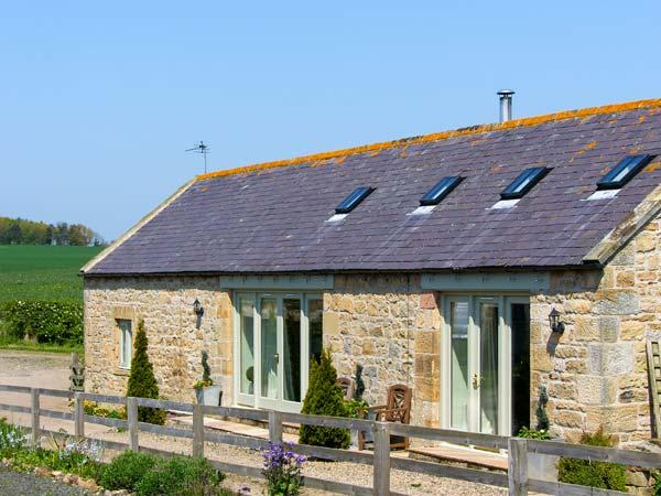 CROFT COTTAGE, family friendly, luxury holiday cottage, with a garden in Embleton, Ref 1786 - Image 1 - Embleton - rentals