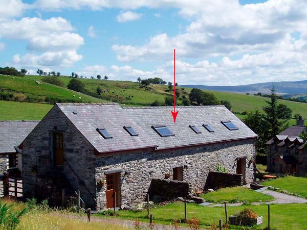 MEIFOD, pet friendly, character holiday cottage, with a garden in Betws-Y-Coed, Ref 1520 - Image 1 - Betws-y-Coed - rentals