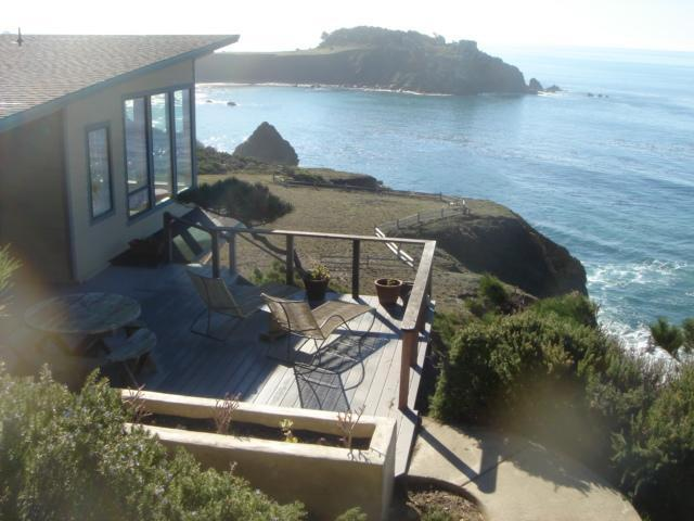 Our House is at the Edge of the Pacific - Dramatic, romantic oceanfront 2 bedrm/2 bath home - Gualala - rentals