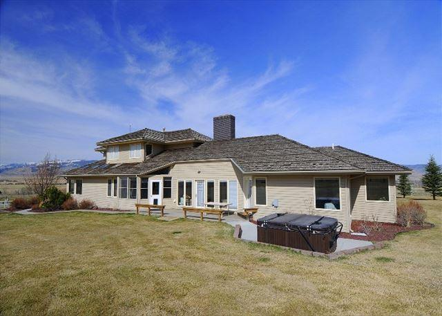 Spacious house with fabulous views! - Elbow Creek Retreat - Pray - rentals