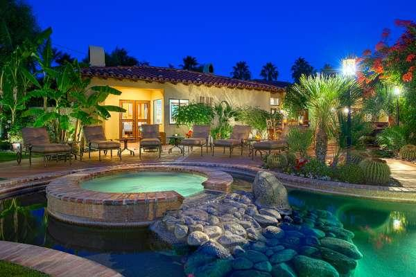 Saltwater Spa Surrounded by Pool - Villa Del Valle - Palm Springs - rentals