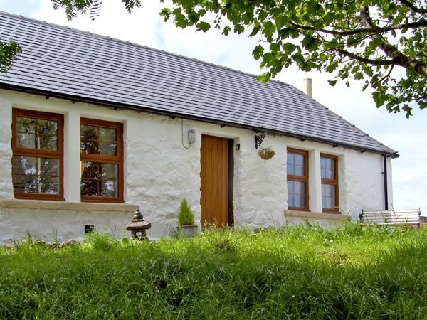 THE OLD COTTAGE, romantic, country holiday cottage, with multi-fuel stove in Suladale, Isle Of Skye, Ref 2676 - Image 1 - Suladale - rentals
