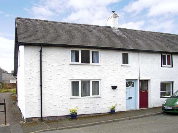 HONEYSUCKLE COTTAGE, pet friendly, country holiday cottage, with a garden in Knighton, Ref 3511 - Image 1 - Knighton - rentals