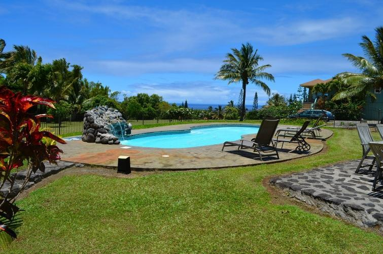 40 ft saltwater pool - Ocean view private studio, pool, organic farm, - Haiku - rentals