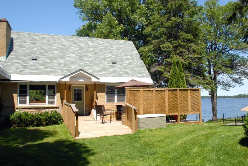 Bayside Cottage - Bayview Wildwood Resort - Bayside - 5 BDR House - Muskoka - rentals