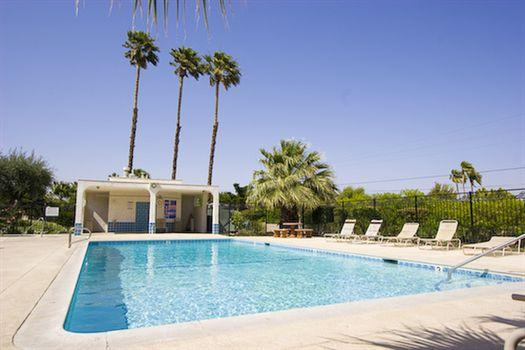 Indian Canyon Townhome / Central Palm Springs - In - Image 1 - Palm Springs - rentals