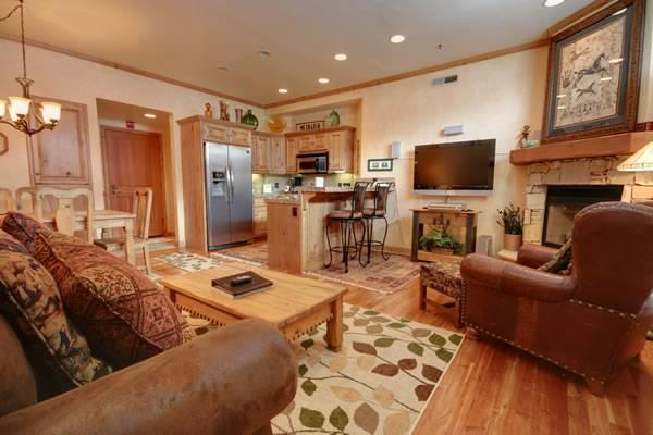 LIFT LODGE 203: Ski-in Ski-out! - Image 1 - Park City - rentals
