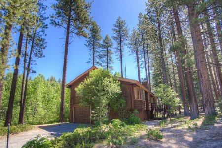 .5mile from Heavenly Ski & 1 mile to beach &casino - HCH0863 - Image 1 - South Lake Tahoe - rentals