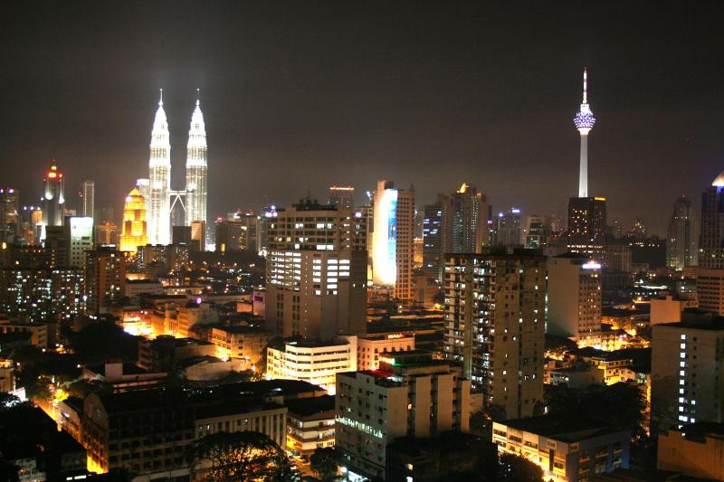 View from the windows of the city by night - Luxury apartment with spectacular view - Kuala Lumpur - rentals