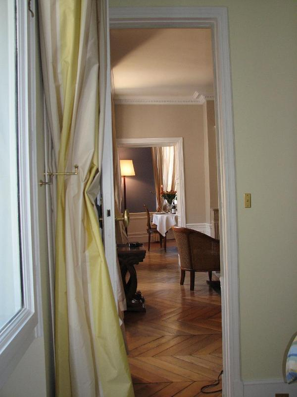St. Germain 2 Bedroom with Air Conditioning - Image 1 - Paris - rentals