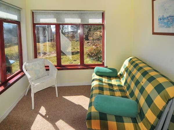 GLENGYNACK COTTAGE, country holiday cottage, with a garden in Grantown-On-Spey, Ref 1944 - Image 1 - Grantown-on-Spey - rentals