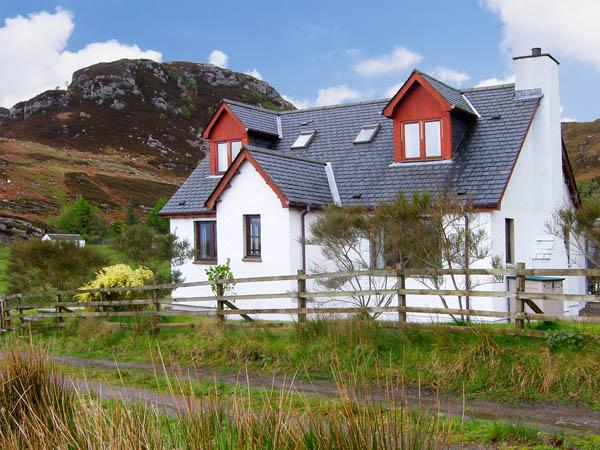 VIKING COTTAGE, pet friendly, country holiday cottage, with a garden in Glenuig, Ref 2886 - Image 1 - Glenuig - rentals
