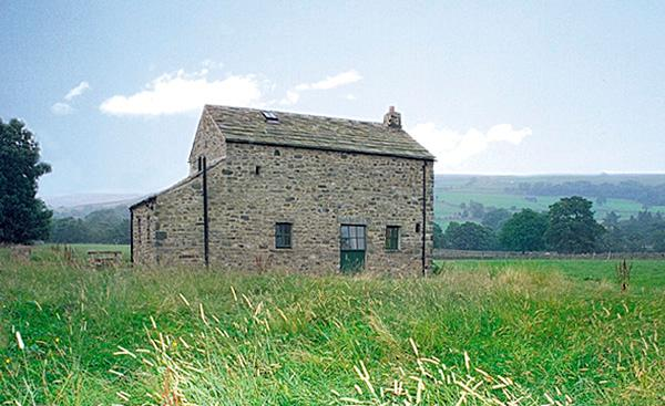 SHEPHERD'S COTTAGE, pet friendly, character holiday cottage, with a garden in Holwick Near Middleton-In-Teesdale, Ref 609 - Image 1 - Middleton in Teesdale - rentals