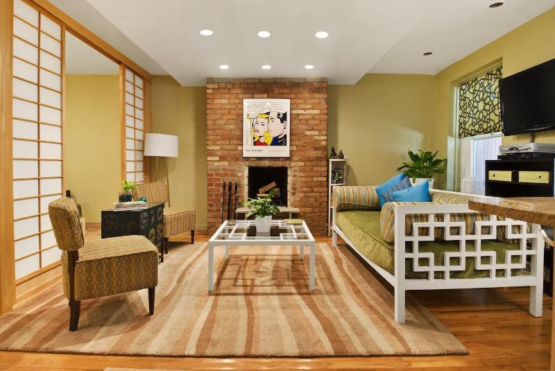 Garden lounge area - Grand Garden Duplex Apartment - New York City - rentals