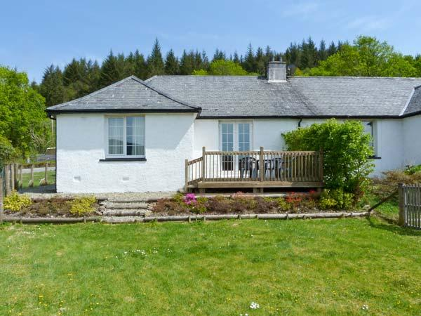 DROVER'S WAY, family friendly, country holiday cottage, with open fire in Kilmartin, Ref 2758 - Image 1 - Kilmartin - rentals