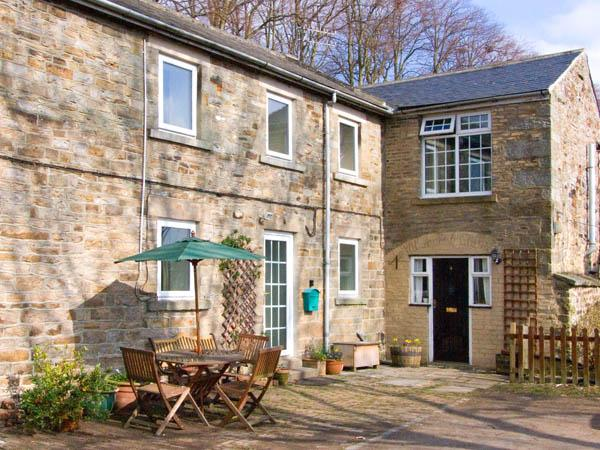 2 THE MEWS, pet-friendly, character holiday cottage, with an outdoor seating area in Middleton-In-Teesdale, Ref 909 - Image 1 - Middleton in Teesdale - rentals
