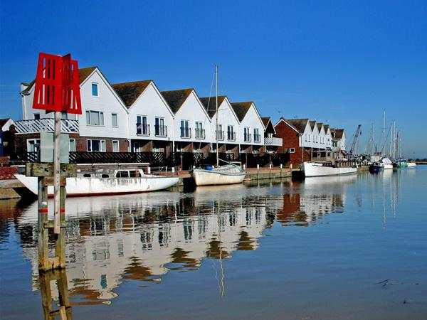 16 THE BOATHOUSE in Rye, Ref 3003 - Image 1 - Rye - rentals